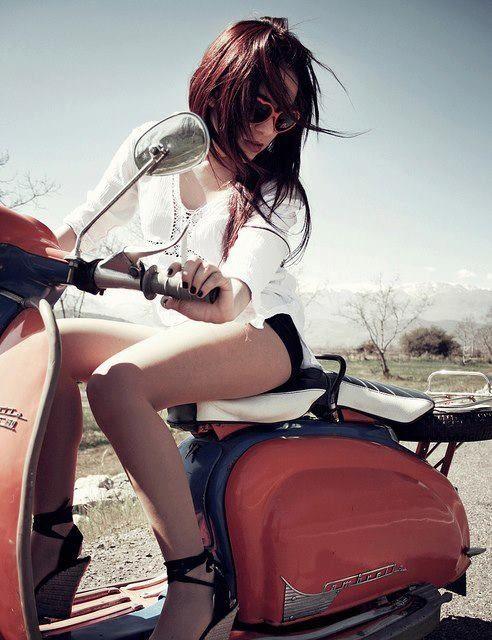 Beautiful Lady Scooter                                                                                                                                                     Plus
