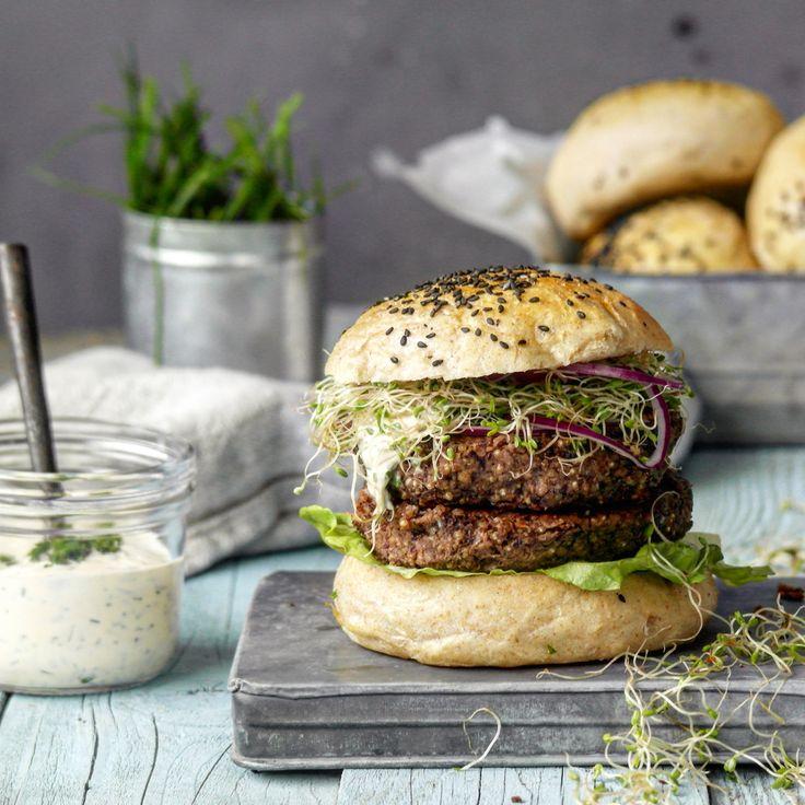 vegetarburger med urtemajones