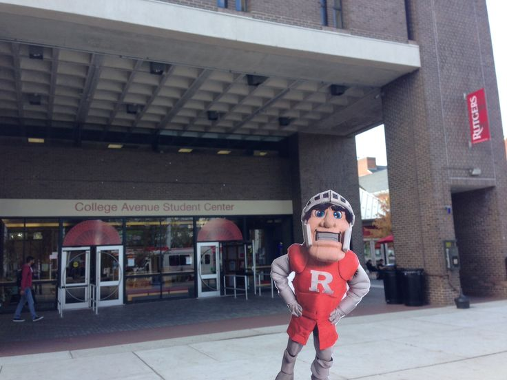 The College Avenue Student Center is bustling with student life. It houses many student organizations, the Rutgers Spirit Shop, eateries (Au Bon Pain, Subway, Gerlanda's, Wendy's and King Pita Palace, and Currito's), a computer lab, meeting and event space, lounges, the Student Credit Union, ATM, Rutgers' radio station WRSU, and the Daily Targum. #FlatScarletKnight
