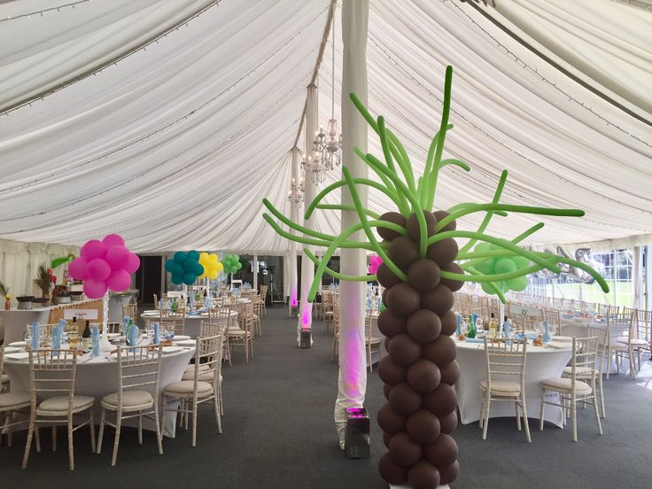 Balloon palm tree in marquee setting