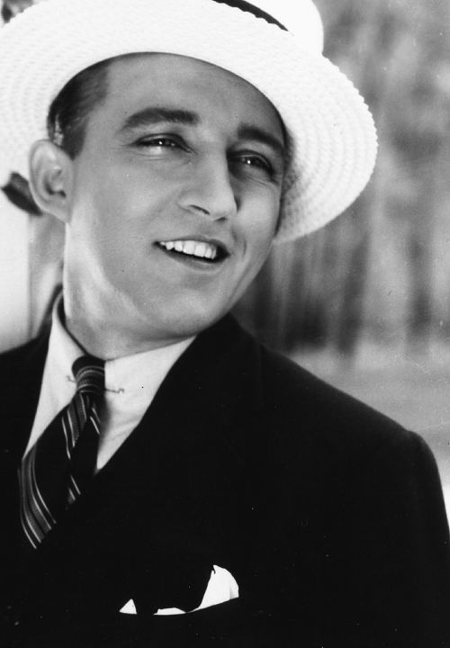 Bing Crosby-if a man ever sings to me with a voice like his, I'll be his forever :)