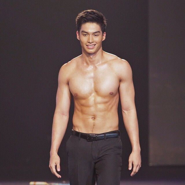Cutie And Sexy Hunk Daniel Velasco Shirtless At The 2014 Cosmo Bachelor  Bash. ;)