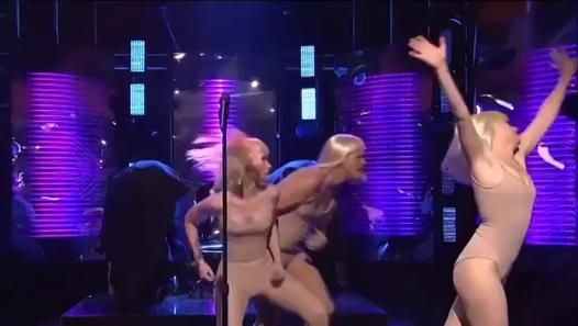 Jim Carrey parodie le clip de Sia Chandelier - vidéo Dailymotion - Regarder la vidéo «Jim Carrey parodie le clip de Sia Chandelier» envoyée par letribunaldunet sur dailymotion.