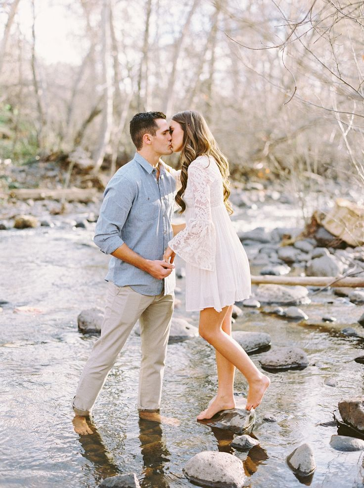 Early Spring engagement shoot in Arizona via Magnolia Rouge