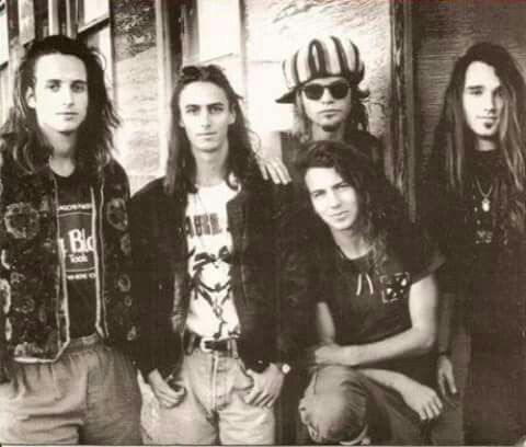 pearl jam ~ one of my favorite early pics