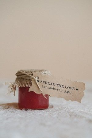 Spread the love - strawberry jam - wedding favour