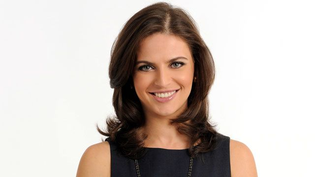 40 Of The World's Most Beautiful Female News Anchors » page 8 » Crazy World Life