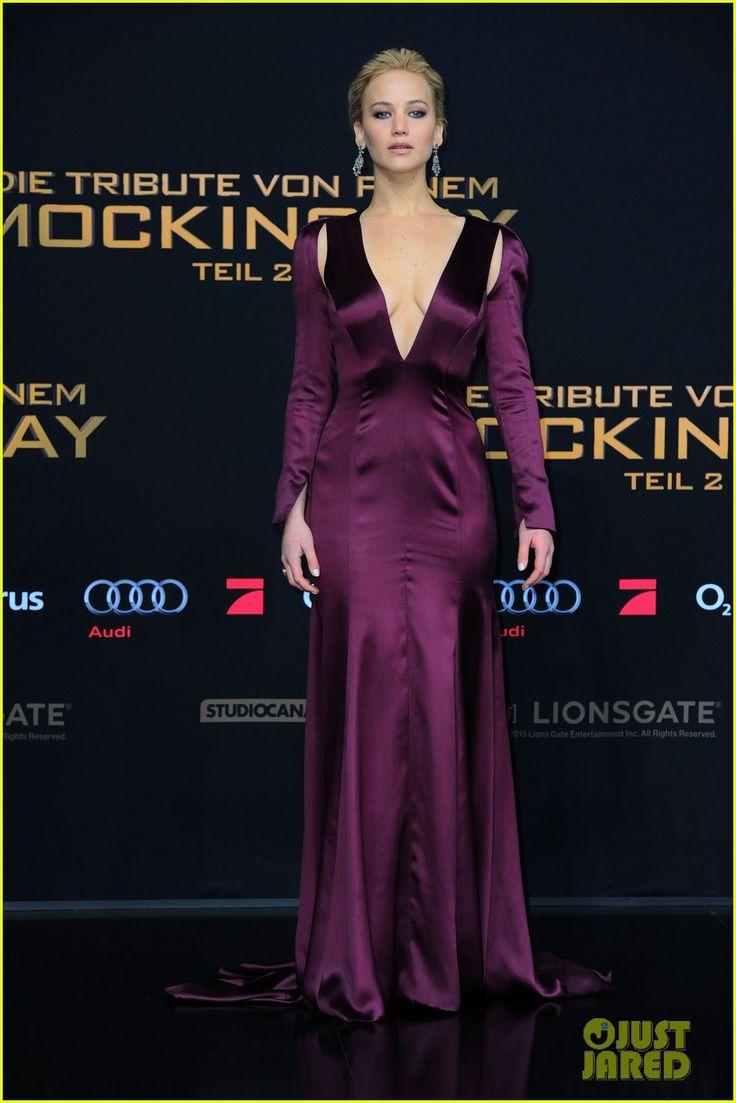 Jennifer Lawrence, Liam Hemsworth, & Josh Hutcherson Premiere 'Hunger Games' in Berlin! | jennifer lawrence hunger games berlin premiere 03 - Photo