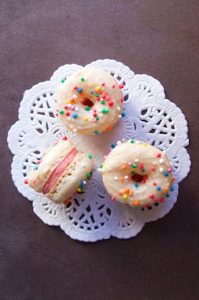 Brown sugar doughnut macarons. http://www.raspberricupcakes.com/2010/05/doughnut-macarons.html