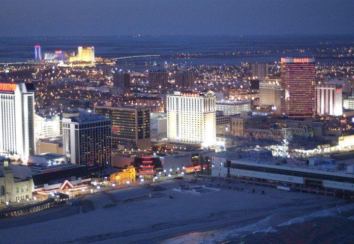 Регулятор Нью-Джерси отчитался за август 2015.  Регулятор рынка азартных игр американского штата Нью-Джерси, New Jersey Division of Gaming Enforcement, опубликовал статистический отчет работы индустрии за август. В документе опять зафиксирован спад выручки казино. Наземные игорны�