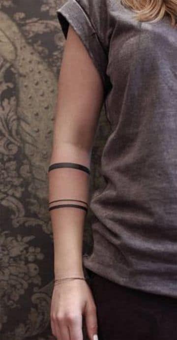 Elegantes Y Distinguidos Tatuajes De Lineas En El Brazo Tatuajes