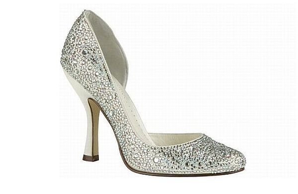Stylish winter wedding shoes