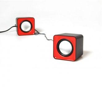 FADO MT3140R to zestaw małych stereofonicznych głośników zasilanych z portu USB, wyróżniających się nietuzinkowym wyglądem, które urozmaicą każde wnętrze.  FADO oferują bardzo dobrej jakości brzmienie, dzięki czemu świetnie sprawdzą się zarówno podczas pracy z laptopem jak i komputerem stacjonarnym. Ponadto zestaw można podłączać do przenośnych urządzeń audio, odtwarzaczy MP3, itp.