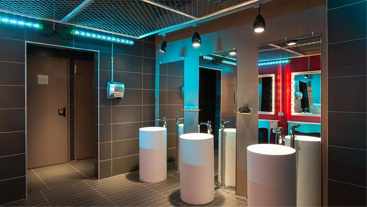 Hard Candy, Milano, Italy #madeinitaly #lockers #gyms #health #changingrooms #fitness #spa #fitinteriors #armadietti #spogliatoi #palestre #spa #healthclubs #furniture #spogliatoipalestre #gimnasiumclub #easyfit #boxdocce #showercubicles #gruppopeg