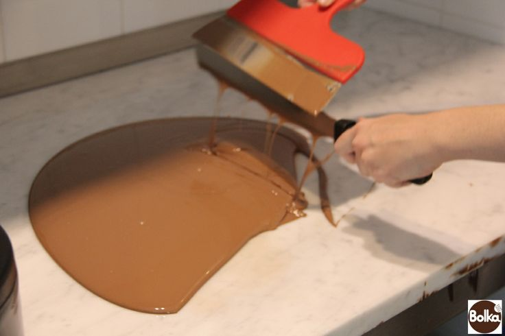 Chocolate tempering/csokoládé temperálás