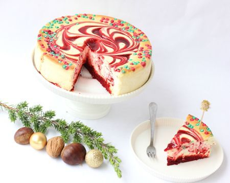 Melissa Johnson of @BestFriendsForFrosting styles a Junior's Cheesecake for @QVC