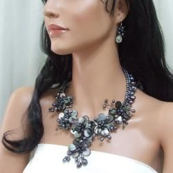 Black MOP and Pearl Floral Vines Jewelry Set (3-10 mm) (Thailand)