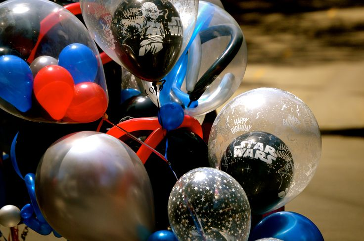 Custom designed star wars themed balloon bouquet party for Balloon decoration los angeles