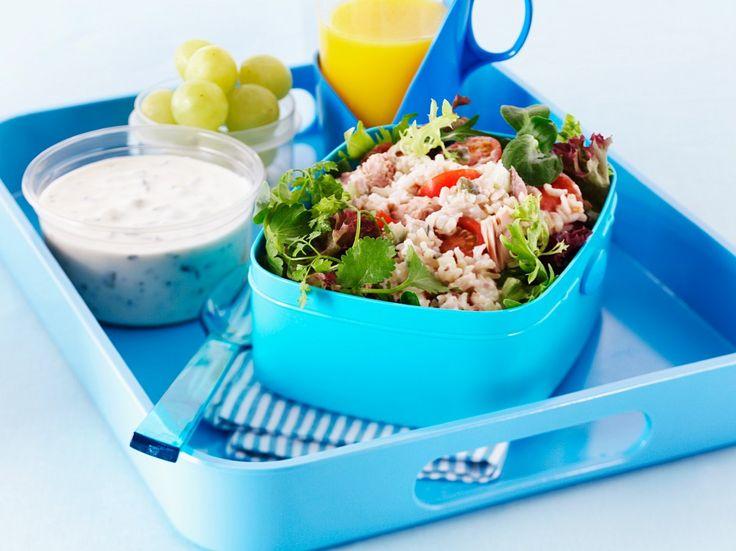 Reissalat mit Thunfisch   Zeit: 25 Min.   http://eatsmarter.de/rezepte/reissalat-mit-thunfisch-1