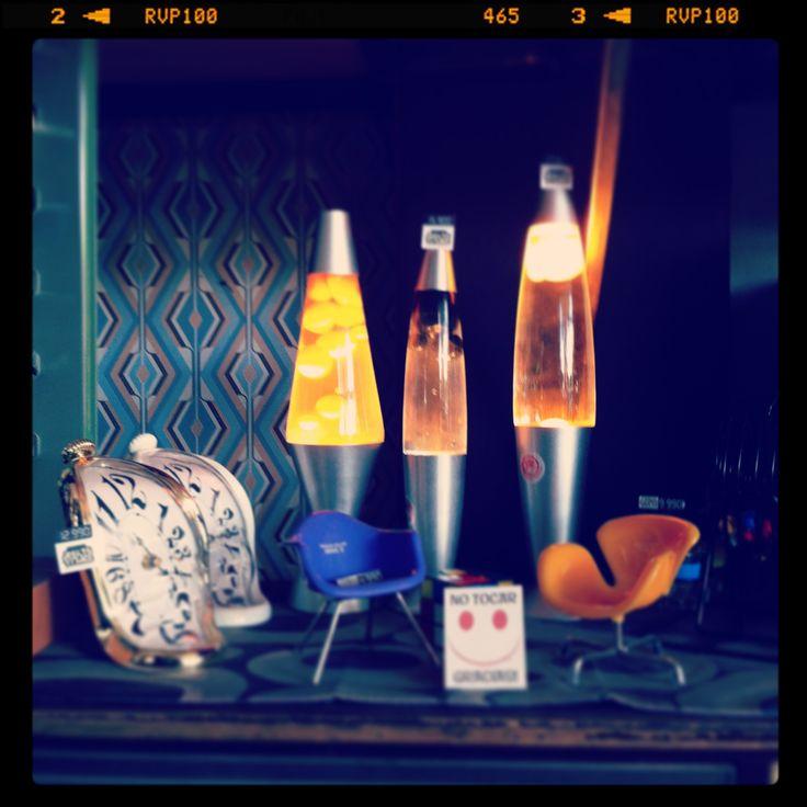 Una lámpara de lava incorpora una atmósfera diferente y crea ambiente en un espacio, además agrega un toque de estilo. MOLTOVIVACE, regalos originales.#lavaLamp,#lamparaLava,#RegaloOriginal