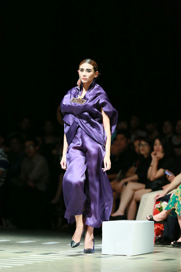 Vietnam Fashion Week FW14 - Haute Couture. Designer: Quang Nhat Photo: Thanh Dat