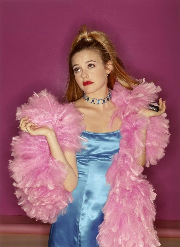 "She didn't skin anything to make that boa; it's faux. | 27 ""Clueless"" Promo Images You've Never Seen Before"