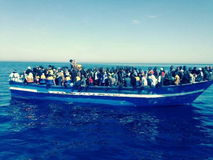 Oggi pomeriggio sbarcano altri 1.171 migranti a Taranto