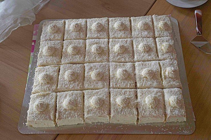 Rafaello - Schnitten, ein sehr leckeres Rezept aus der Kategorie Kuchen. Bewertungen: 118. Durchschnitt: Ø 4,2.