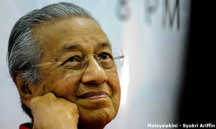 Dr M jadi PM? Nanti dulu kata pimpinan HARAPAN   Pengerusi Parti Pribumi Bersatu Malaysia (BERSATU) Tun Dr Mahathir Mohamad menyerahkan kepada Pakatan Harapan (HARAPAN) untuk muncul semula sebagai perdana menteri walaupun memendam hal itu sebelum ini.  Namun beberapa pemimpin HARAPAN kelihatan tidak bersedia untuk mengharungi senario yang memungkinkan kembalinya seorang perdana menteri yang cuba untuk dihapuskan oleh ramai veteran pembangkang sebelum ini.  Ditanya sama ada mereka bersedia…
