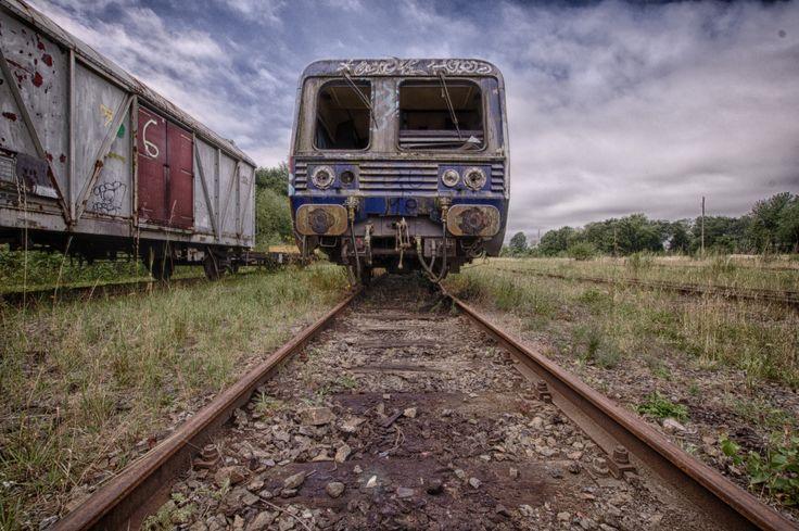 Ein Lost Place der besonderen Art: Verlassene Züge mit Loks und Waggons! Also diesmal keine verlassenen Gebäude, sondern verlassene Eisenbahnen!