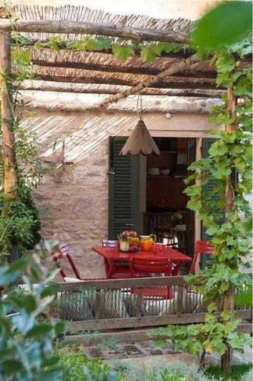 Une toiture artisanale pour une terrasse nature