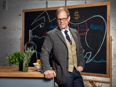 This season of Food Network Star is a game-changer. In addition to 15 passionate hopefuls vying for their shot at a Food Network show, three all-star producers are also facing off as team leaders. Alton Brown, Bobby Flay and Giada De Laurentiis will coach five finalists through the intense competition, each striving for one of their own to make it into the network's lineup. Tune-in to the premiere on May 13th at 9p|8c.Alton Brown, Rarebit Altonbrown, Food Network Stars, Hot Holiday, Network Alton, Grilled Tips, Cooking, A Mus Foodies, Food Recipe