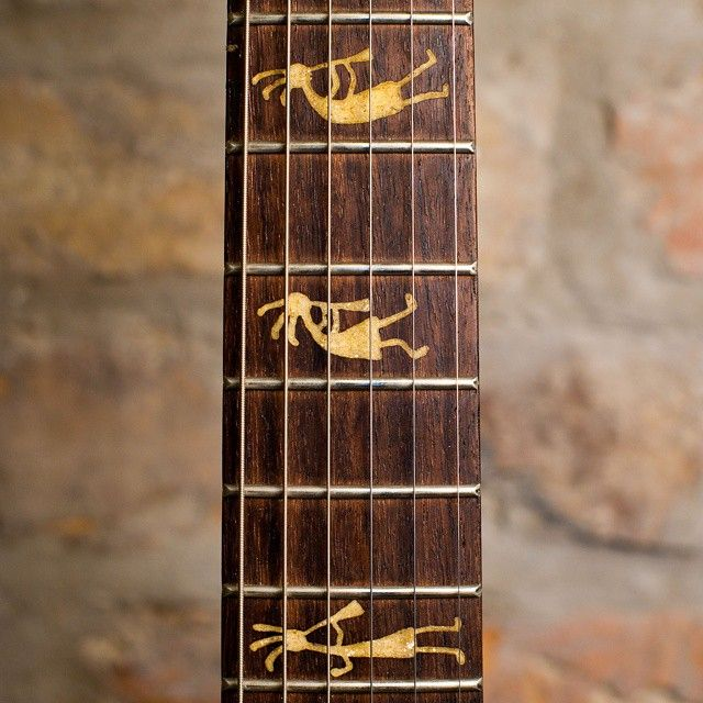 #bouwerguitars #customshop #customguitar #fretboard #gitaryzeszczecina @guitarporn #gitarre #gitaraelektryczna #electricguitar #guitare #kokopelli #music #guitarlovers #luthier #lutnik #szczecin #offmarina #rosewood #inlay #handmade  www.bouwerguitars.com