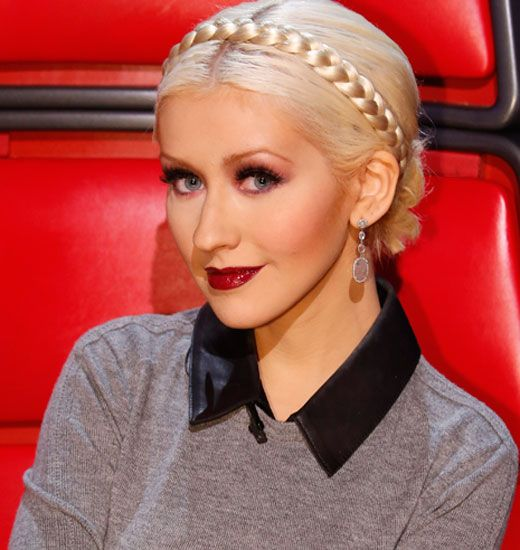 comparing christina aguilera s beautiful to lord Aguilera's debut album producer ron harris revealed that aguilera during her recording sessions for christina aguilera would constantly listen brandy's music, studying and trying to replicate her adlibs.