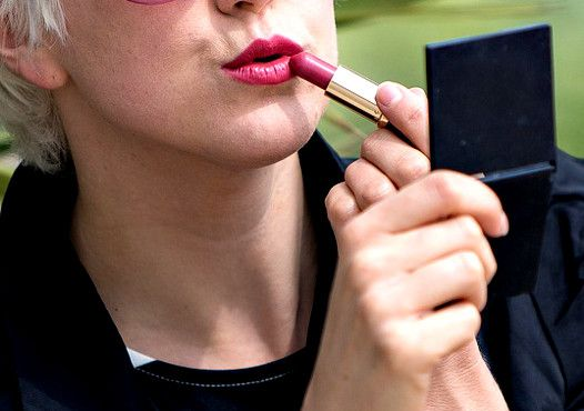 15 Easy Beauty Tricks That Will Make You Look Younger