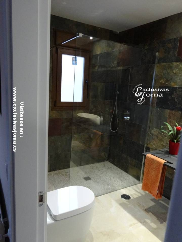 Reforma integral de baño con cerámica imitación piedra ...