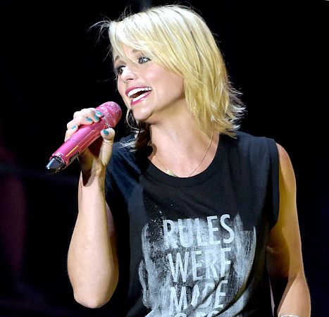 mixed curly hairstyles : Miranda Lambert Goes Even Shorter and Blonder With New Hairstyle: See ...