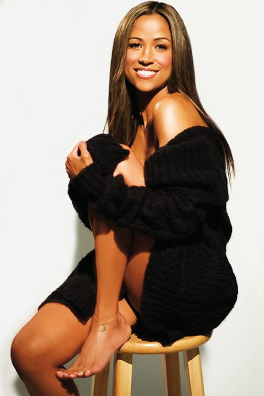 *Stacey Dash* She's of Bajan, African American and Mexican descent....part mexican? Dear lord yes!<3