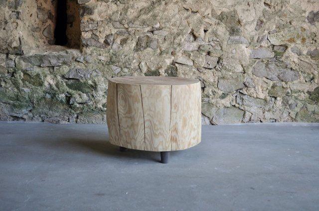 wooden table / drewniany stół http://www.seart.pl/designerski-stolik-jednago-kawalka-modrzewia-p-6061.html