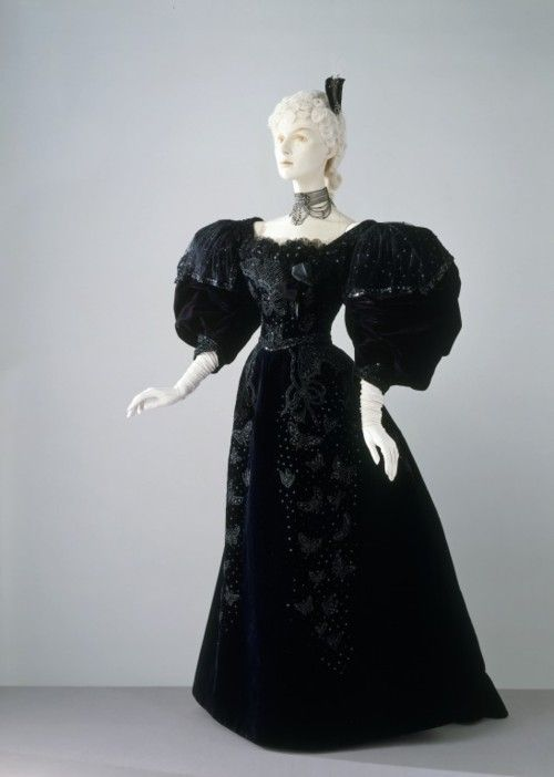 Evening Dress, 1894, The Victoria & Albert Museum