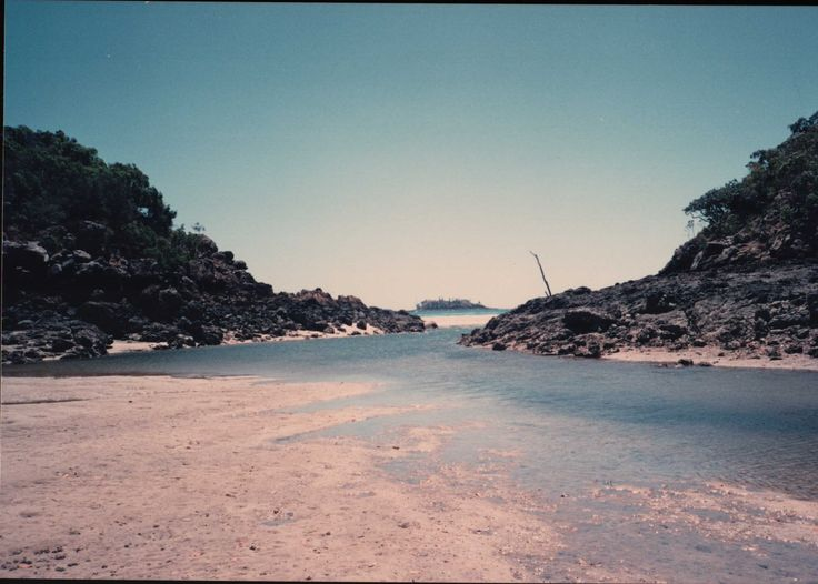 Middle Percy Island. Looking North towards Pine Islet. In the lagoon with the tide coming in.