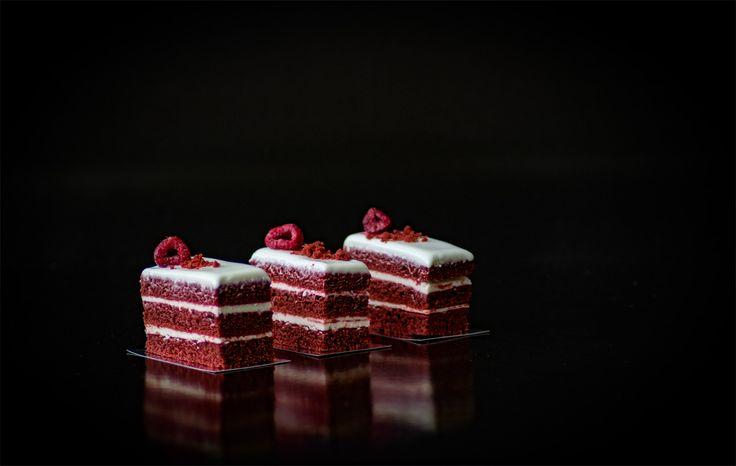 Torta petit red velvet. Un delicado bocado que encontrarás en nuestra variedad de productos.