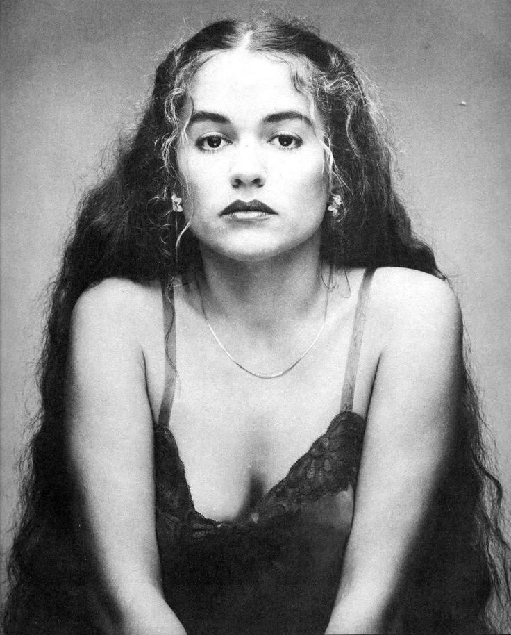 Nicolette Larson (1952-1997) Despite her talent being backed by such notables as Neil Young and Linda Ronstadt, Nicolette Larson was never able to reach success as a solo artist. She was in demand, however, as a session singer for Emmylou Harris, Hoyt Axton, The Doobie Brothers and Jimmy Buffett. She died from brain edema due to liver failure from the overuse of Valium and Tylenol PM in the tragic attempt to self-medicate a severe depression.