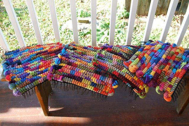 Learn how to make these beautiful rag rugs at Crazy As A Loom!