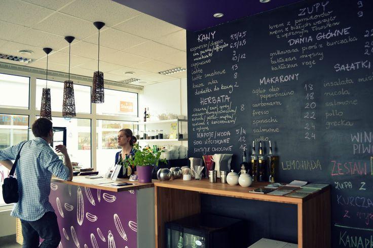 #Kawiarnia Bakłażan Cafe & Bistro, ul. Conrada 15a lok. 3, Warszawa. Godziny otwarcia: pn-sb 10-21, nd. 11-19. Tu jest #KofiUp! Wypij z nami: #Americano, #Espresso, #Cappuccino, #EspressoDoppio, #HerbataSukiTea, #Latte