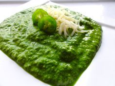 Spinach-Jalapeno pesto sauce.  Similar to Cafe Patachou. Use on top of Cuban Breakfast.