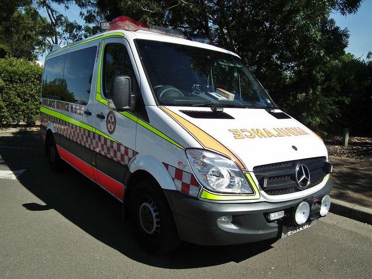 2010 Mercedes Benz Sprinter 316 CDi ambulance (8705687623).jpg