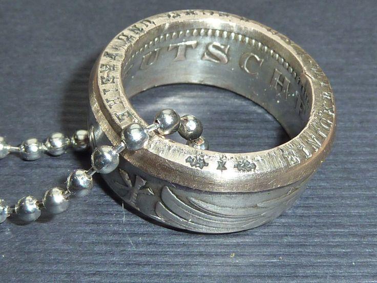 ein einzigartiges Medallion aus einer 5 DM Heiermannmünze. Etwas Nostalgie am Finger!