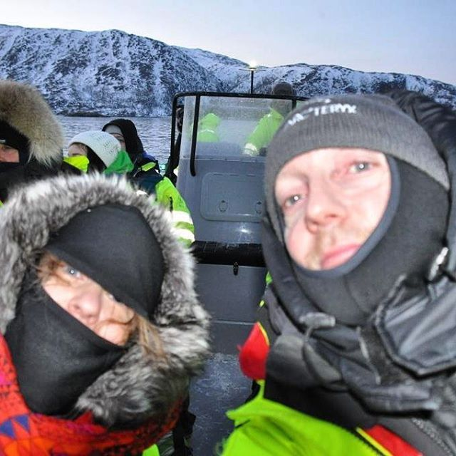 Baby, it's cold outsite! Minus 18 degrees Celsius. Feeling like minus 36 C because of the wind chill. But we would do it again tomorrow with no hesitation! Killer whales and humpback whales are AMAZING! #whalesafari #killerwhale #humpbackwhale #tromsø #tromsøfriluftsenter #nordic #scandinavia #topåtur #twodanesontour #danskerejseblogs #rejse #rejseblog #igtravel #norway #ignorway #travelawesome #travelgram #kvaløya #lonelyplanet #lonelyplanettraveller #wanderlust #traveltheworld…