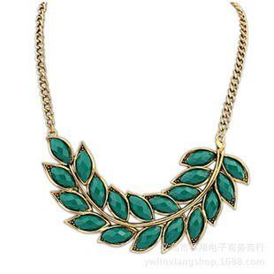 Женщины чокеры ожерелья листья подвески золотые цепочки 4 цвета свежий тренд себе ювелирные изделия девушка свитер платье рубашкакупить в магазине Mona Lisa's Shopping WorldнаAliExpress